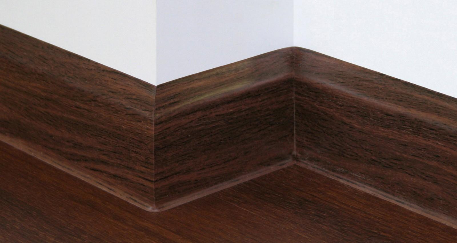 sockelleisten kunststoff kunststoff sockelleiste kubisch 80mm hoch versch sockelleisten. Black Bedroom Furniture Sets. Home Design Ideas